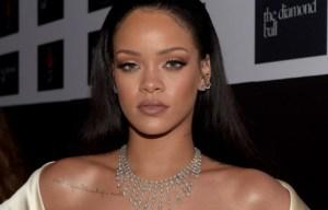 Instrumental: Rihanna - California King Bed Karaoke Acoustic Piano